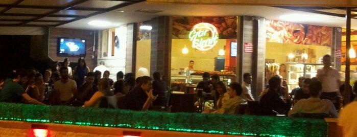 MD Acıktım Cafe is one of Lugares favoritos de Buse.