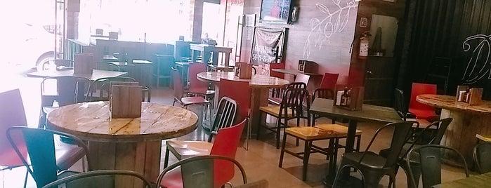 Fukn' Delicious Restaurant is one of Lieux sauvegardés par Maryhel.