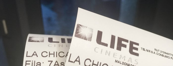 Life Cinemas is one of Lieux qui ont plu à Pablo.