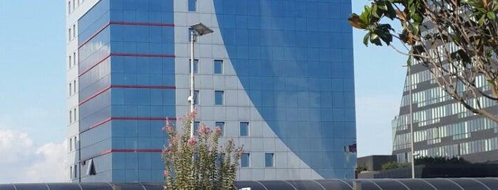 Vodafone Mecidiyeköy Plaza is one of Hayat Canan'ın Beğendiği Mekanlar.