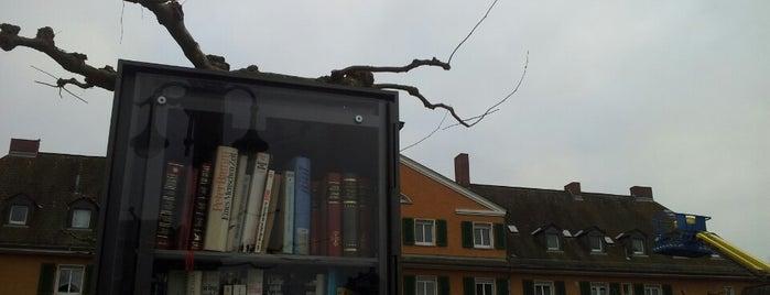 Offener Bücherschrank Nied is one of Givebox / Bücherschrank.