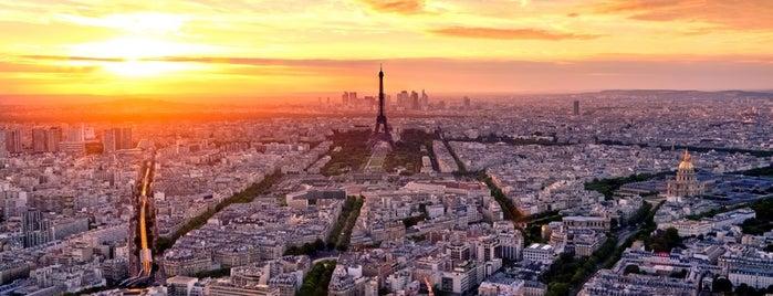 Torre Eiffel is one of Posti salvati di Andrew.