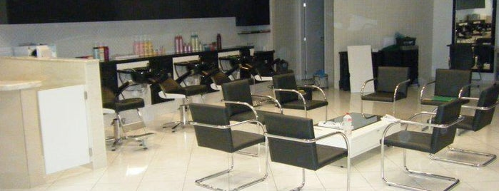 Aloha Hair Studio is one of Posti che sono piaciuti a Hilton.