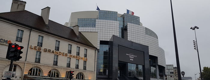 Opéra Bastille is one of Posti che sono piaciuti a Natalia.