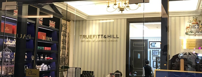 Truefitt&Hill is one of Locais curtidos por SV.