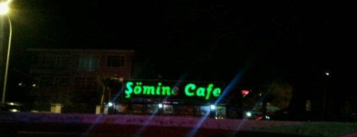 Şömine Cafe is one of Locais curtidos por Esra.