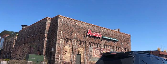 Portillo's is one of Tempat yang Disukai Mike.
