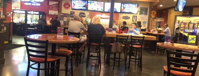 Mugs Sports Bar & Grill is one of Pub.