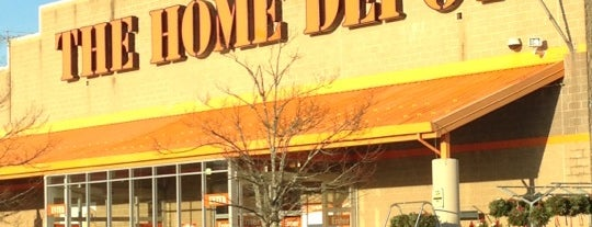 The Home Depot is one of icelle 님이 좋아한 장소.