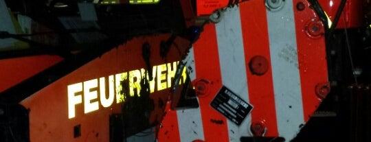 Feuer- und Rettungswache 2 is one of Orte, die frshone gefallen.