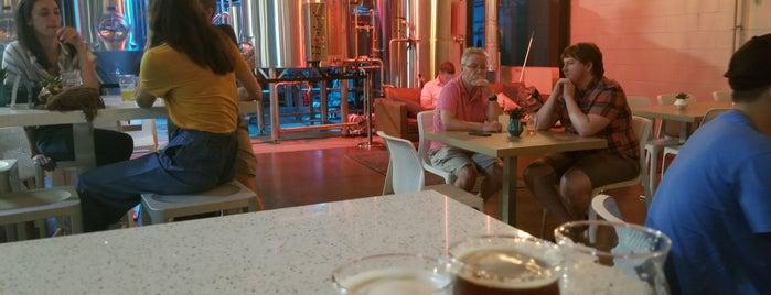 Untied Brewery is one of Tempat yang Disukai Matthew.