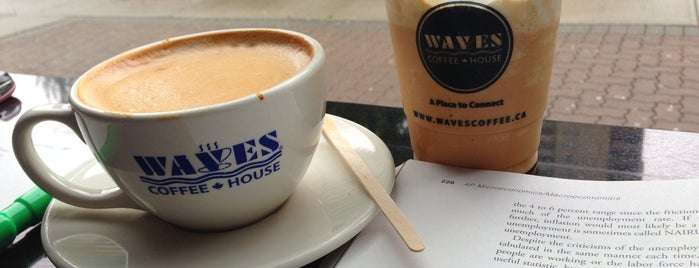Waves Coffee House is one of Lugares favoritos de John.