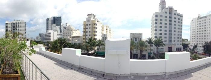 Roof Top Pool @ Catalina Beach Club is one of สถานที่ที่ Marteeno ถูกใจ.