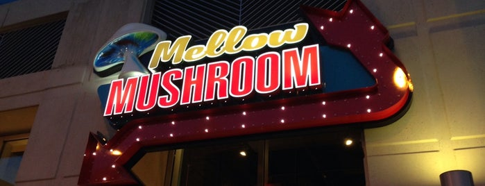 Mellow Mushroom is one of Locais curtidos por JR.