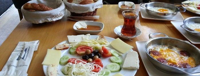 Kuğu Pastanesi is one of Ugur e..