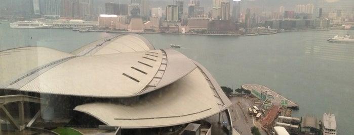 Renaissance Hong Kong Harbour View Hotel is one of สถานที่ที่ Shank ถูกใจ.