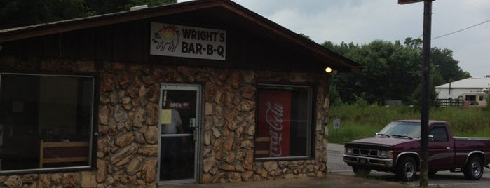 Wright's Pit Barbecue is one of Tempat yang Disukai Richie.