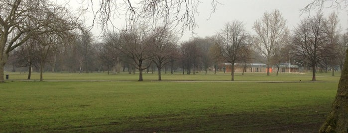 Victoria Park is one of Locales that I enjoy.