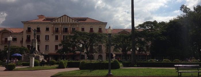 Câmara Municipal de Poços de Caldas is one of Poços de Caldas - MG.