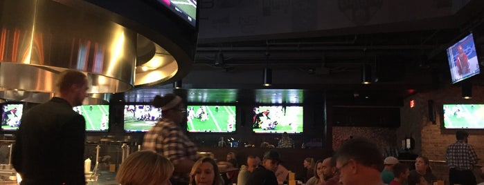 NBC Sports Grill & Brew is one of Lieux qui ont plu à Alan.