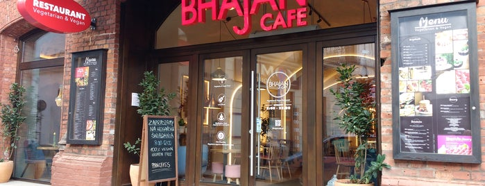 Bhajan Cafe is one of Lugares favoritos de Elena.