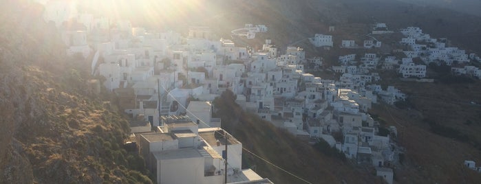 Kastro - Chora Serifos is one of Cyclades 🇬🇷.