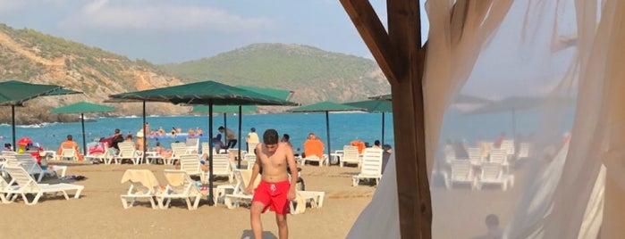 Ulu Resort Hotel Lara Beach Bar is one of Orte, die Hamit gefallen.