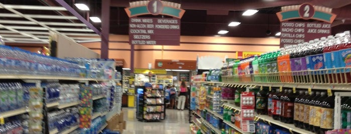 Giant Eagle Supermarket is one of @steelcityterpさんの保存済みスポット.