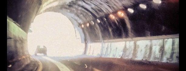Tunel Carretera Toluca - Santa Fe is one of Alex : понравившиеся места.