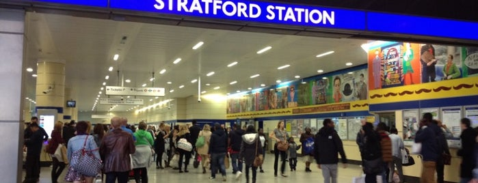 Stratford Railway Station (SRA) is one of Lieux qui ont plu à Barry.