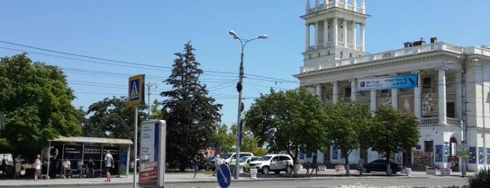 Площадь Ушакова is one of Сюзанна : понравившиеся места.
