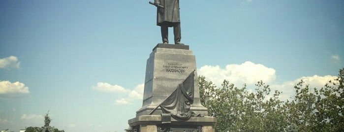 Памятник Павлу Нахимову / Monument to Pavel Nakhimov is one of Orte, die Stanislav gefallen.