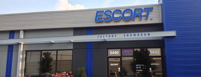 ESCORT Inc. Factory Showroom is one of Lieux qui ont plu à Jeff.