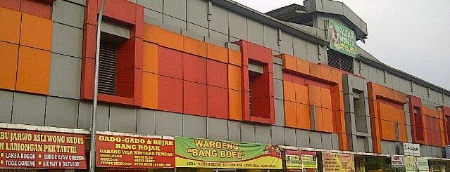Pasar Modern Bintaro Sektor 7 is one of Tempat yang Disukai donnell.