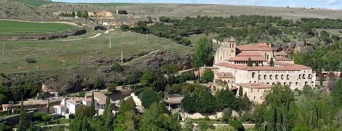 Monasterio Santa María del Parral is one of Sagobia.