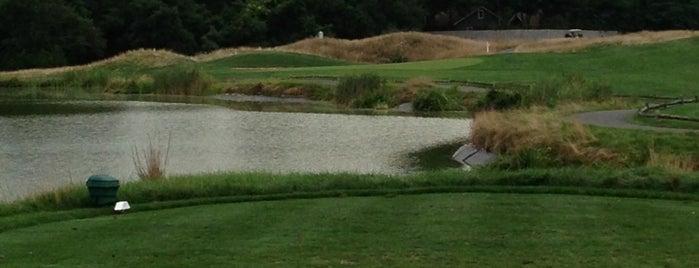 Mill Pond Country Club is one of Tempat yang Disukai Craig.