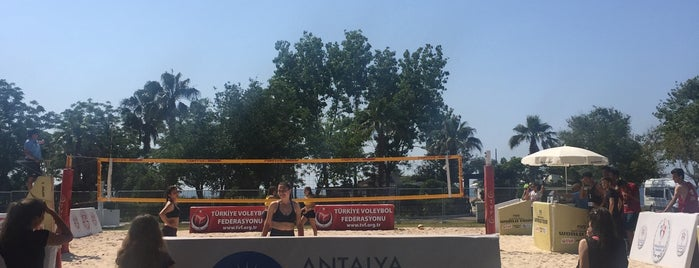 FIVB Plaj Voleybolu Dünya Turu Antalya Açık is one of 🌜🌟hakan🌟🌛'ın Beğendiği Mekanlar.