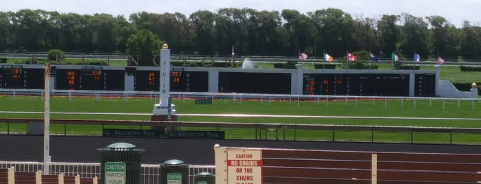 Arlington Park Finish Line is one of Rickさんのお気に入りスポット.
