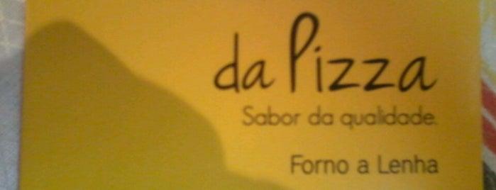 Showroom da Pizza is one of สถานที่ที่ Omar ถูกใจ.