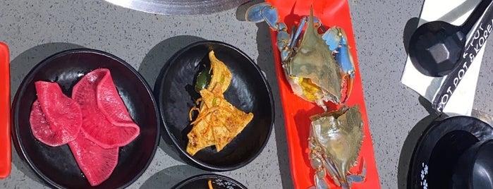 K Pot Korean BBQ & Hot Pot is one of Tempat yang Disukai Adrian.
