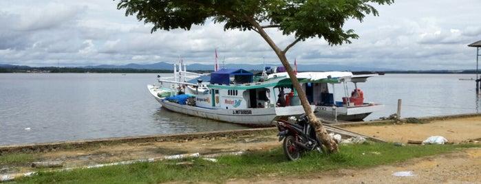 Pantai Teluk Kendari is one of Tempat yang Disimpan Fεmmy ℳαηggo🎀.