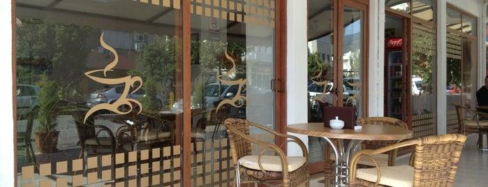 Laçin Cafe is one of Lugares favoritos de 1U2G.