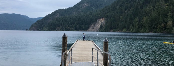 Lake Crescent Ranger Station is one of Posti che sono piaciuti a Ryan.