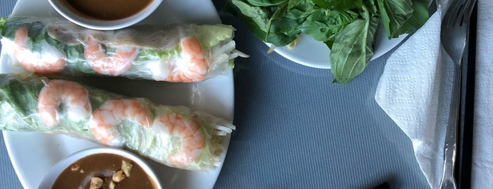 Vina Vietnamese Cuisine is one of สถานที่ที่ Jacquelin ถูกใจ.