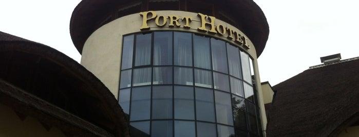 Port Hotel Restaurant is one of Restorāni,bāri,klubi LV.