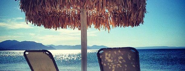 Places to swim close to Athens