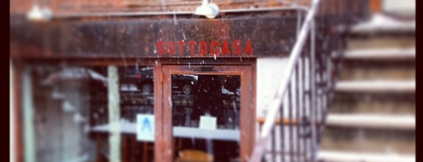 Sottocasa Pizzeria is one of Lugares favoritos de Mark.