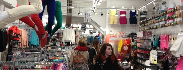 American Apparel is one of Para hacer check-in.