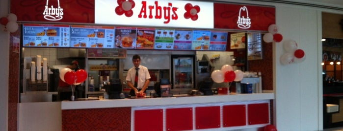 Arby's is one of Lieux qui ont plu à k&k.