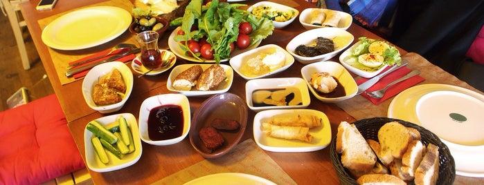 GrandCello Cafe & Restaurant is one of สถานที่ที่ Nur Sarı ถูกใจ.